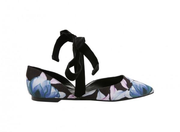 حذاء فلات متعدد الألوان