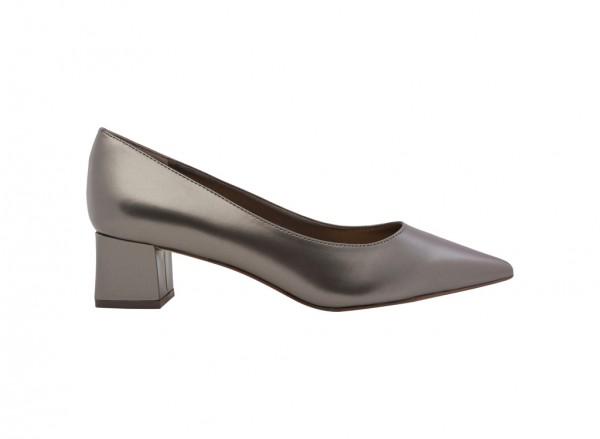 حذاء فضي بكعب متوسط