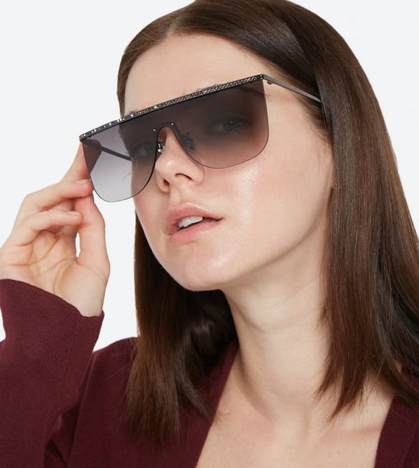 ca81e4b10 نظارات شمسية كبيرة الحجم بلون أسود