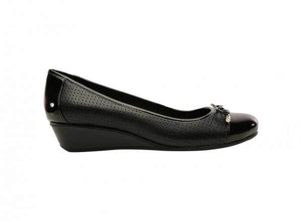 Dawnette Black Mid Heels
