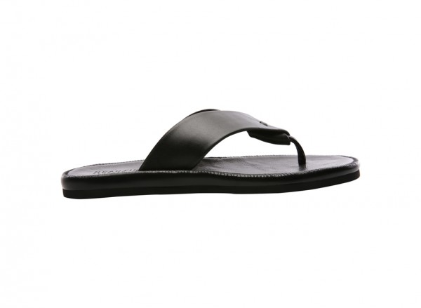 Feel It Black Sandals
