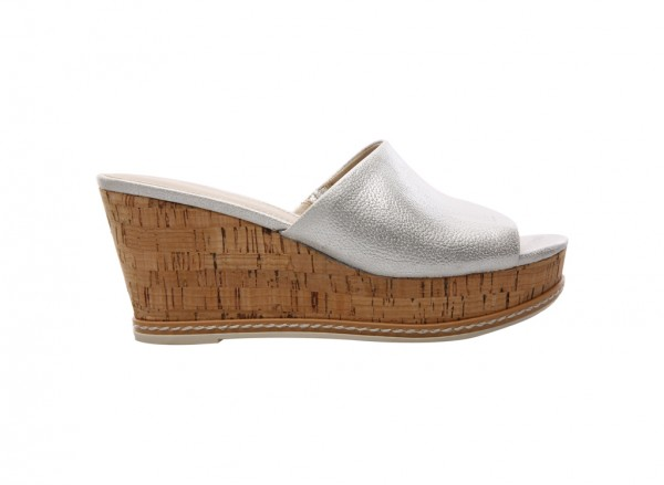 L-Caty Silver Wedges