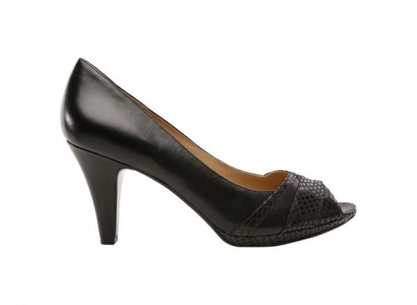 Naintrepid Black Footwear