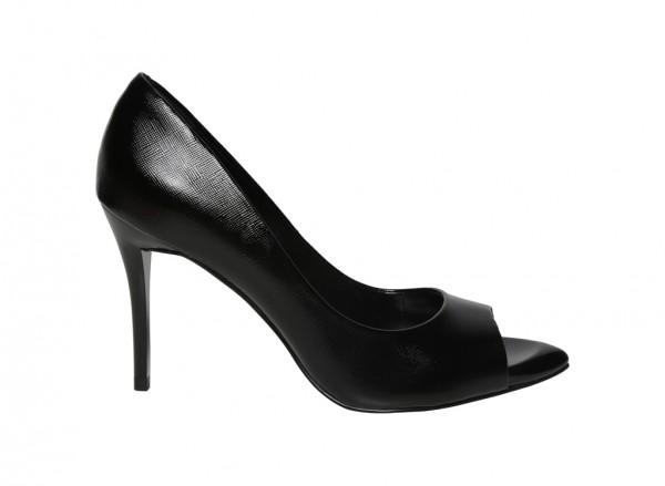 حذاء كعب عالي أسود