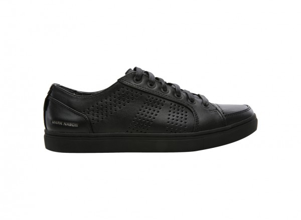 حذاء كروكر لون أسود